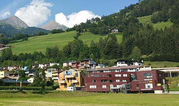 The current view of the SUN apartments on the former Pfarranger in Matrei in Osttirol in 2015
