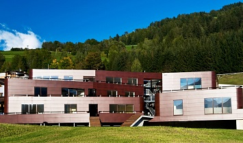 The SUN Matrei in Osttirol Design apartments complete, on the outside at least, in the autumn of 2007