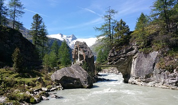 Unique view to the glaciers in the Venediger massif in the Hohe Tauern National Park